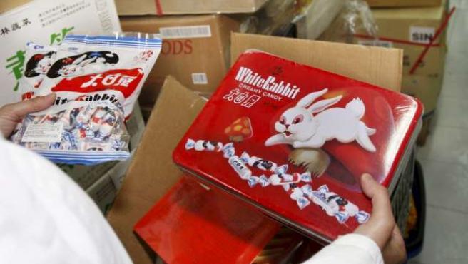 Uno de los productos sospechosos de estar elaborados con leche contaminada. (EFE)
