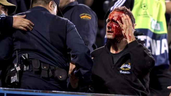 Uno de los aficionados implicados en los disturbio del Calderón. (EFE)