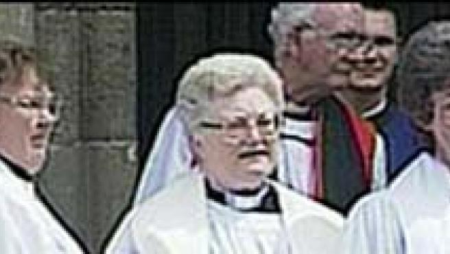 La Iglesia Católica no acepta la ordenación sacerdotal de las mujeres. (FOTO: BBC )