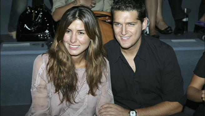 Manu Tenorio y Silvia Casas en la Pasarela Cibeles (KORPA).