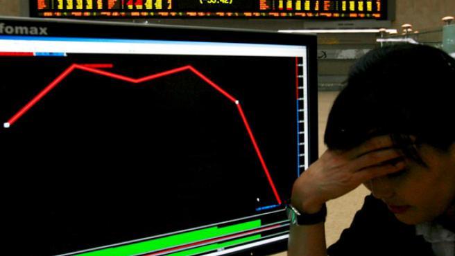 Las Bolsas asiáticas han cerrado con grandes pérdidas (EFE).