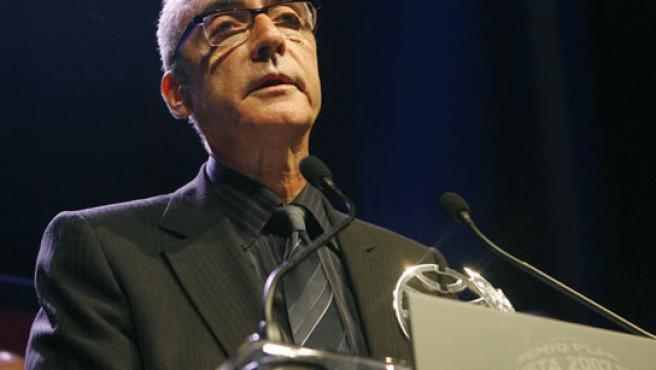 El escritor y periodista Juan José Millás, en la LVI edición del premio Planeta. (TONI GARRIGA / EFE).