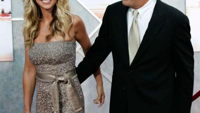 Christine Baumgartner y Kevin Costner.