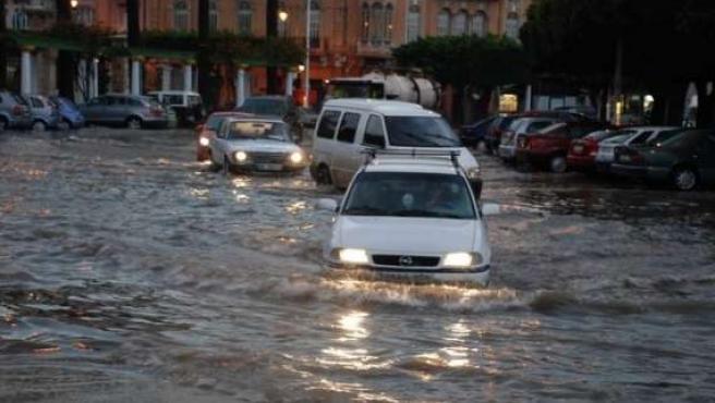 Calles inundadas en Melilla. (JORGE VADILLO)