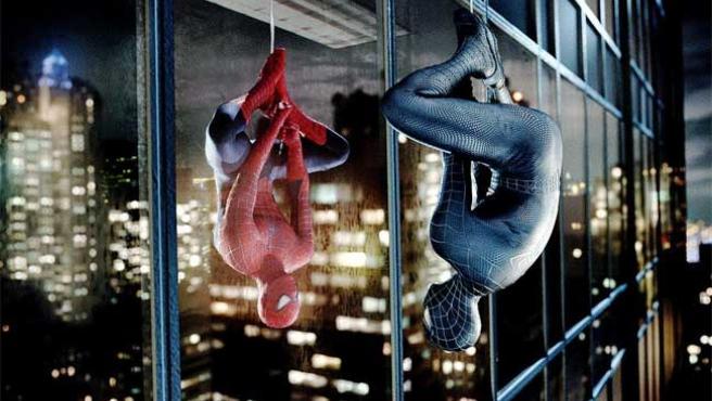 El Hombre Araña, cabeza abajo en 'Spiderman 4'.