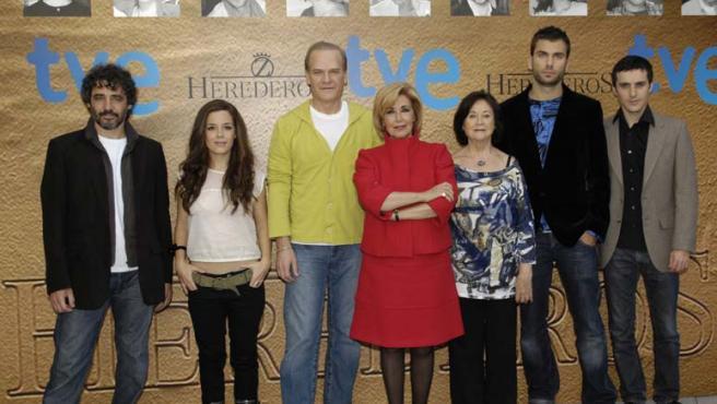 Germán Palacios, Nuria Gago, Lluis Homar, Concha Velasco, Julieta Serrano, Nicolas Gaude y Andrés Gertrudix.