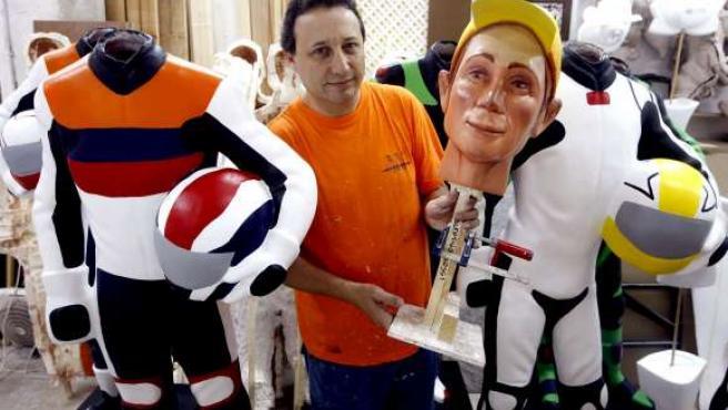 Juan José garcía ha creado un 'ninot' para cada piloto de Moto GP.