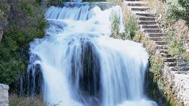 El río Cifuentes, en el momento de afluir al Tajo en Trillo.