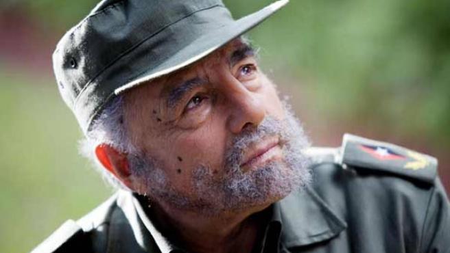 Juan Luis Galiardo interpreta a Fidel Castro en 'I Love Miami'.