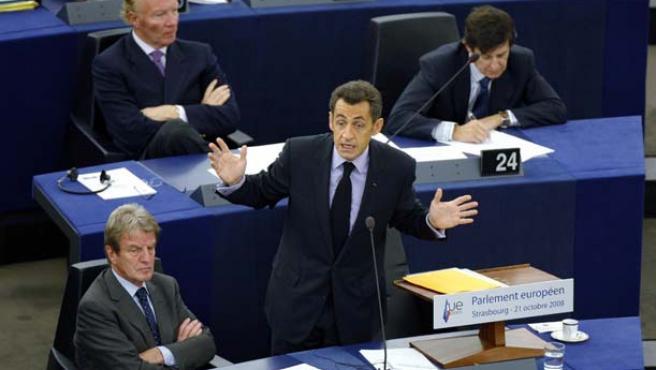 Nicolas Sarkozy (habla en el Parlamento Europeo (REUTERS).