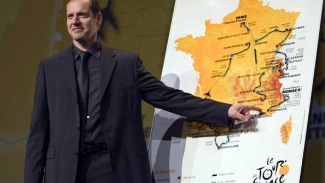 Christian Prudhomme presenta el recorrido del Tour 2009. (EFE)