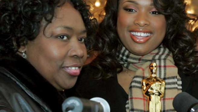 Jennifer Hudson (dcha) junto a su madre, en 2007. (AP)