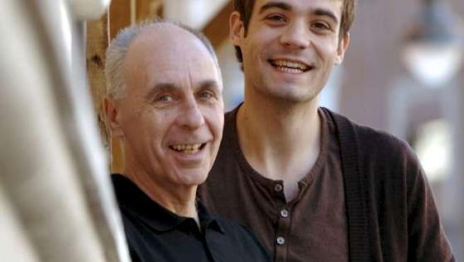 El director Paul Morrison y el actor protagonista de Sin límites.