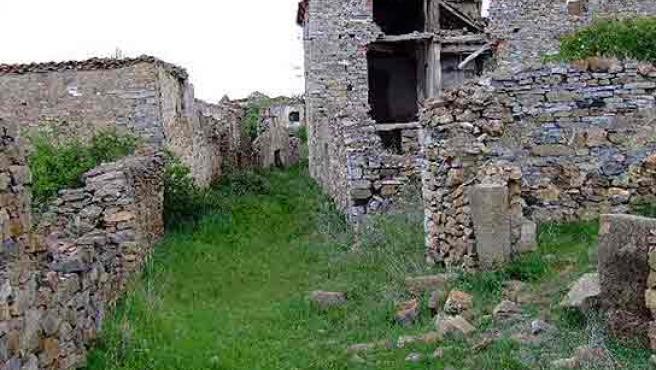 El pueblo soriano de Aldeacardo, en lamentable abandono.