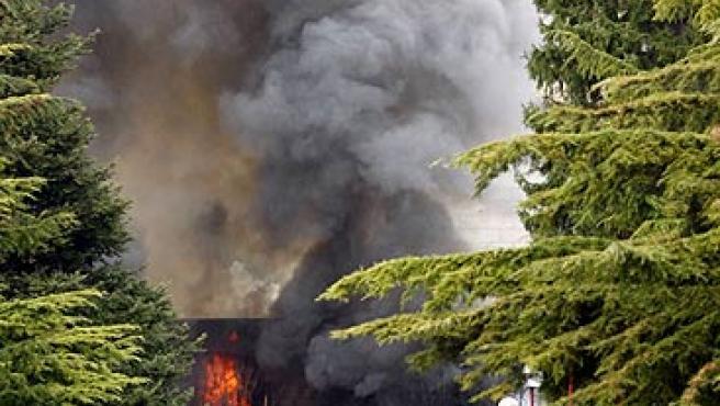 Explosión del coche bomba en la Universidad de Navarra. (EFE)