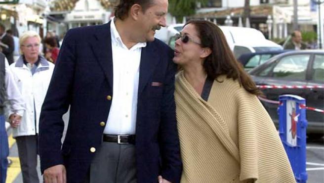 Julián Muñoz e Isabel Pantoja en una foto de archivo tomada en 2003 (KORPA).