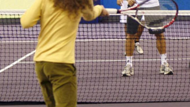 David Ferrer, durante una clase de tenis en el Telefónica Arena de la Casa de Campo (Efe).