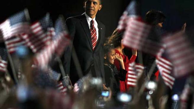 Obama, tras pronunciar su primer discurso como presidente electo.