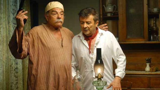 Juan Luis Galiardo y Juan Diego, en un fotograma de la película inédita del guionista Rafael Azcona.