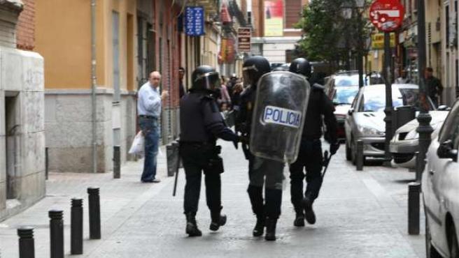 Agentes antidisturbios actúan en una manifestación de la extrema izquierda en Madrid. (ARCHIVO)