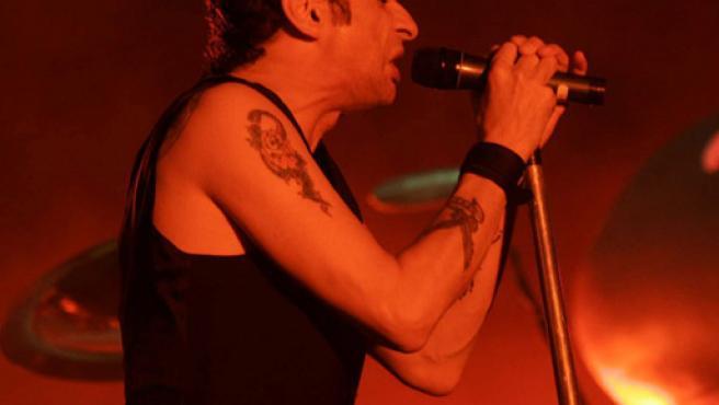 El trio británico Depeche Mode, durante su actuación en el duodécimo Festival Internacional de Benicássim (FIB).