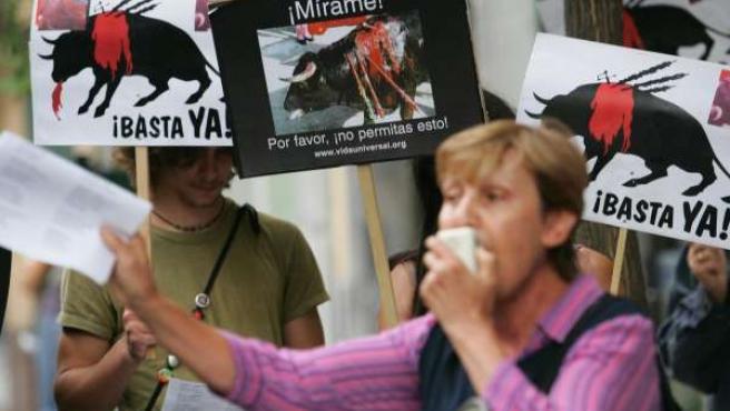 Protesta contra las corridas de toros. (J.T).
