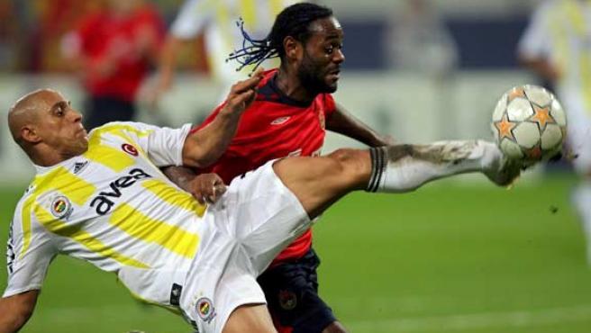Roberto Carlos, en un partido con el Fenerbahçe.