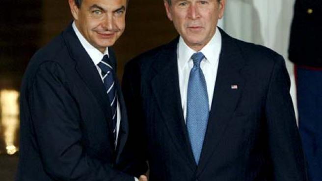 El presidente del Gobierno español, José Luís Rodríguez Zapatero, recibido en la Casa Blanca por el Presidente norteamericano, George Bush. (EFE)