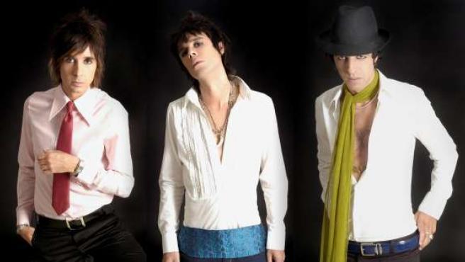 Fotografía de los tres artistas.