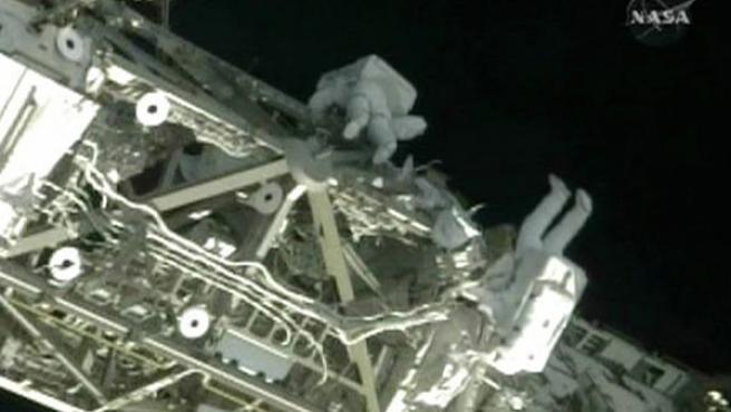 Un paseo espacial en la Estación Espacial Internacional (AGENCIAS).