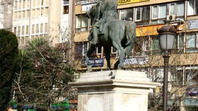 Estatua ecuestre de Franco en la plaza del Ayuntamiento de Santander.