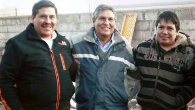 Fotografía tomada el pasado martes de los tres hermanos bolivianos fallecidos. EFE.