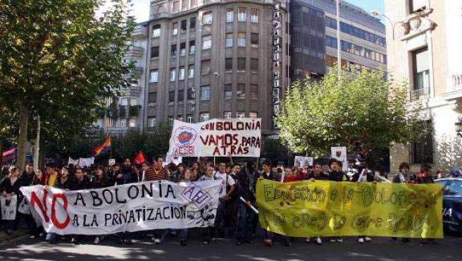Estudiantes de León se manifiestan contra el Proceso de Bolonia (EFE)