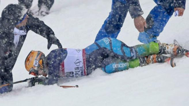 La esquiadora María José Rienda se cayó en Aspen y tuvo que ser retirada en camilla.