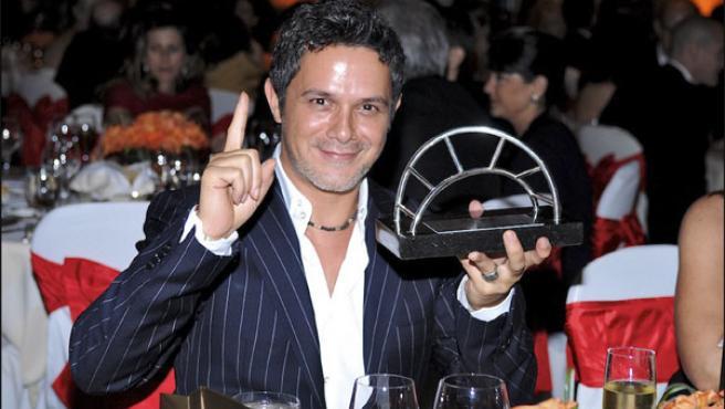 Alejandro Sanz, durante los Premios Español Universal de las Artes (KORPA).