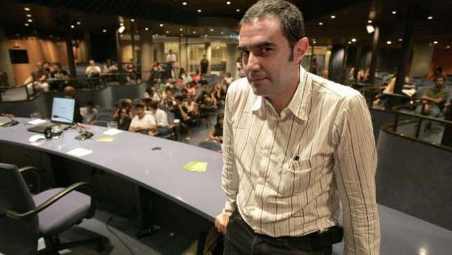 El arquitecto madrileño, Alejandro Zaera, durante una conferencia en Barcelona. (ARCHIVO)