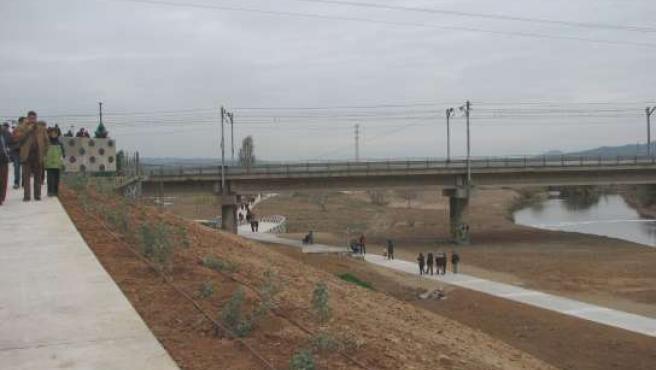 Els nous accessos a la llera del riu Llobregat (Foto: Júlia Pérez / ACN).
