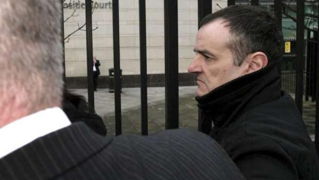 De Juana Chaos, a las puertas del tribunal norirlandés (EFE).