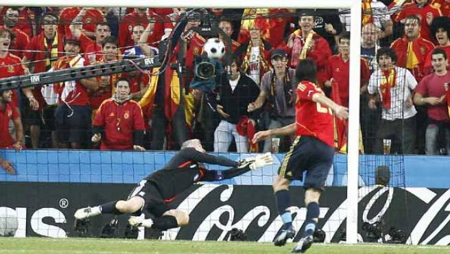 De la Red, marcando un gol en la Eurocopa. Agencias.