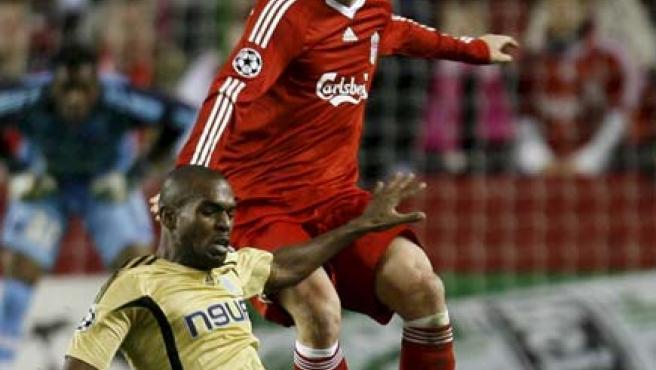 Fernando Torres, en un lance de un partido (Agencias).