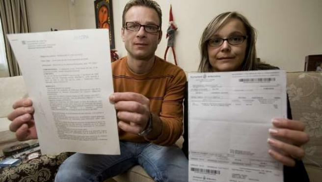 Sandra y Antonio denuncian que un carterista suplantó su identidad.