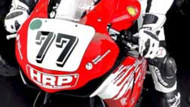 Schumacher, del equipo Holzhauer, es fotografiado durante los entrenamientos libres para la prueba del Campeonato Alemán de Superbikes (Efe).