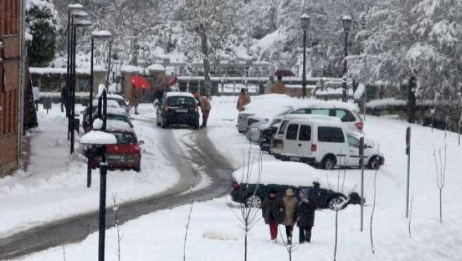 Las calles de Aguilar de Campoo, cubiertas por la nieve.