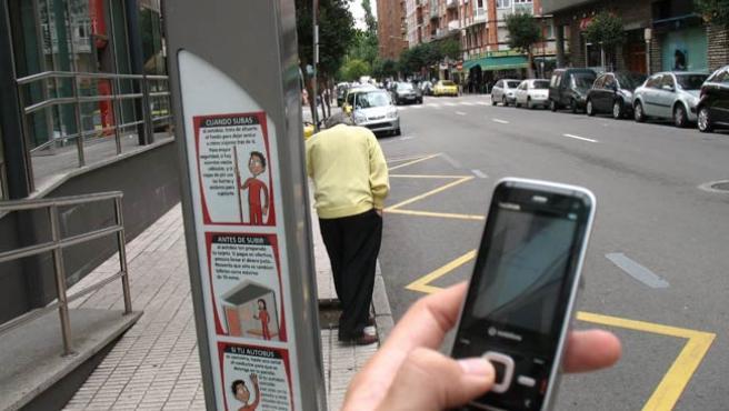 Enviando un mensaje desde el móvil.