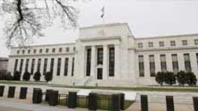 La Reserva Federal baja de nuevo el precio del dinero en EE UU. (ARCHIVO)