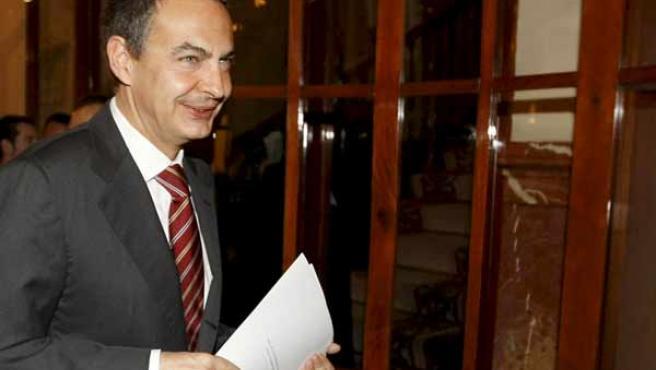 Zapatero, en los pasillos del Congreso (AGENCIAS).