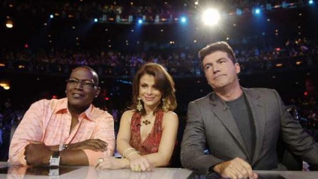 Simon Cowell participando como jurado en 'American Idol'. (ARCHIVO)