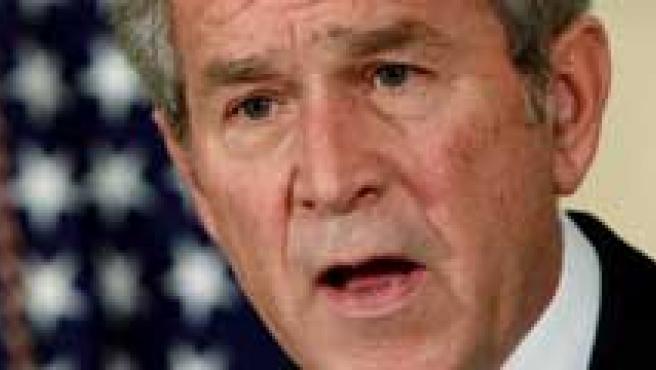 George W. Bush, en el momento de anunciar las ayudas económicas. (REUTERS)