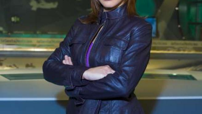 Mamen Mendizábal presenta informativos en La Sexta.