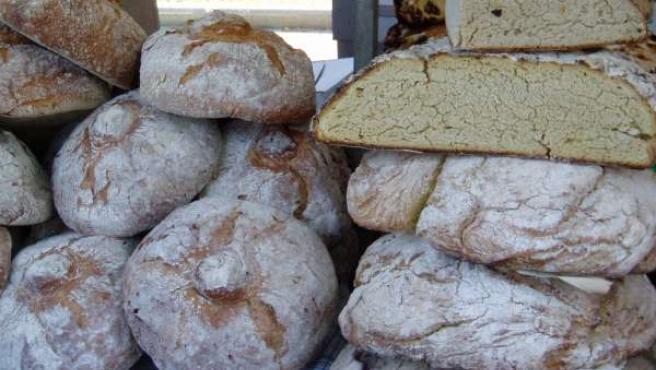 """""""Lo que aumenta las calorías del pan suele ser loque le acompaña"""", según recoge la guía. 20MINUTOS/ARCHIVO"""